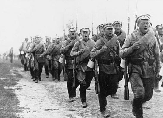 ロシア革命時の兵士の行進image