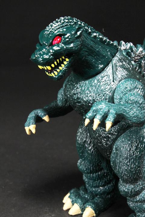 TrendMaster_Godzilla_04.jpg