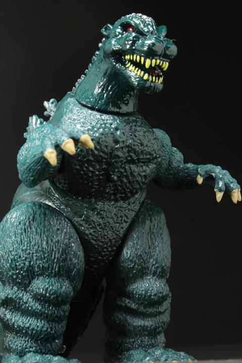 TrendMaster_Godzilla_13.jpg