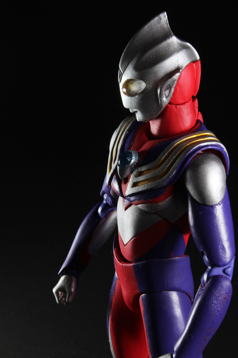 UA_ultramantiga_03.jpg