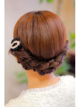 最新のヘアスタイル 結婚式髪型ハーフアップ 自分 : 出典 http://tomchan1210.blog.fc2.com ...