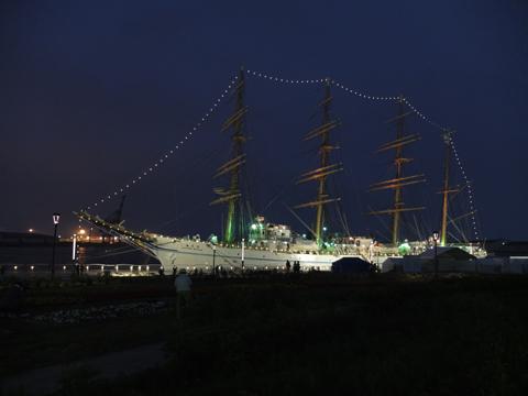 ライトアップ、残念ながら帆は張ってません。