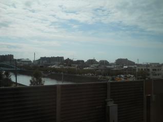 京葉線から大型マンション