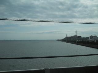 京葉線から浦安の海