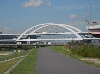 首都高速の2段鉄橋