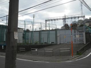 弘明寺変電所
