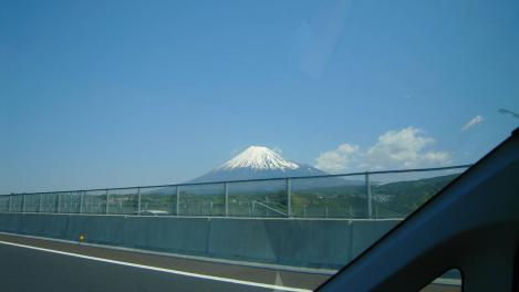 第二東名下り線から見えた富士山のデジカメ写真