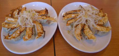 浜松市での浜松餃子を食べる前をデジカメで盗撮なのかい