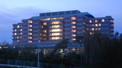 37歳で医者になった僕~ドラマのロケ地の静岡がんセンターの夕暮れをデジカメ撮影