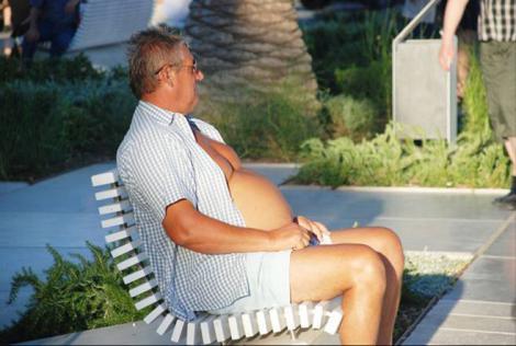 脂肪がたまったポッコリお腹のままだと死亡率が高いらしいと研究結果の写真画像だわさ