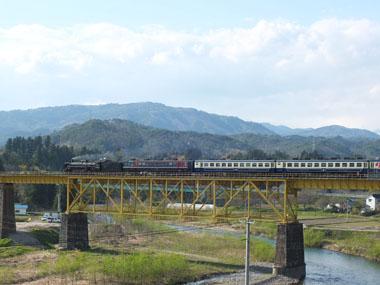 58233レ一ノ戸川橋梁0504