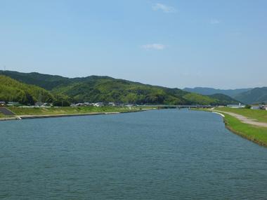 2桑野川&新緑の山々0607