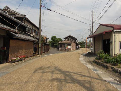 旧東海道 明治新道との分岐点
