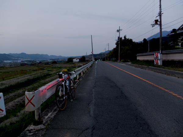 夜明けの大和高田バイパス