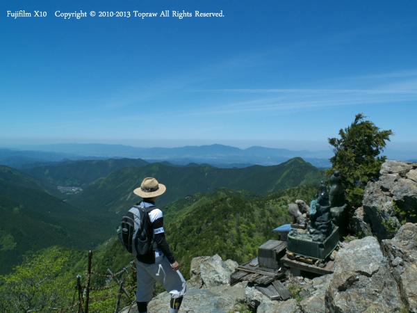 山上ヶ岳014鐘掛岩