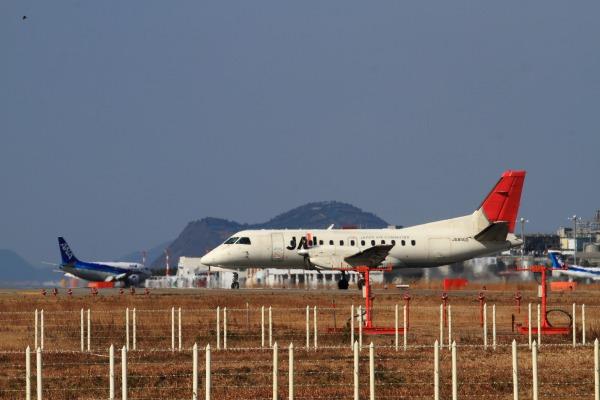 3X SAAB-340B JA8900 RJOM 140122 010