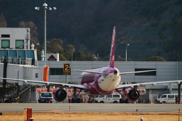 MM A320-214 JA803P RJOM 140201 07