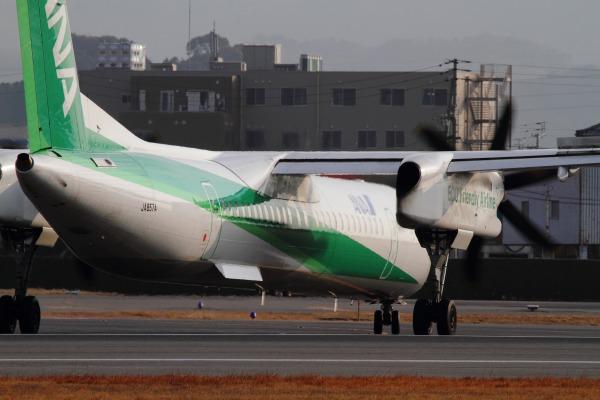 EH DHC-8-402Q JA857A RJOM 140201 009
