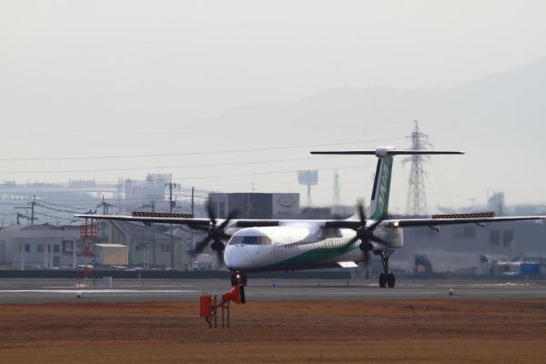 EH DHC-8-402Q JA857A RJOM 140201 016