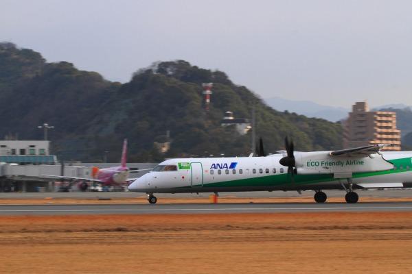 EH DHC-8-402Q JA857A RJOM 140201 018