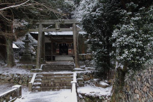 土谷三島神社・降雪 140206 01