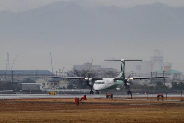 EH DHC-8-402Q JA857A RJOM 140208 01