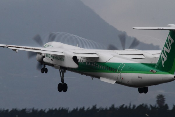 EH DHC-8-402Q JA857A RJOM 140208 03