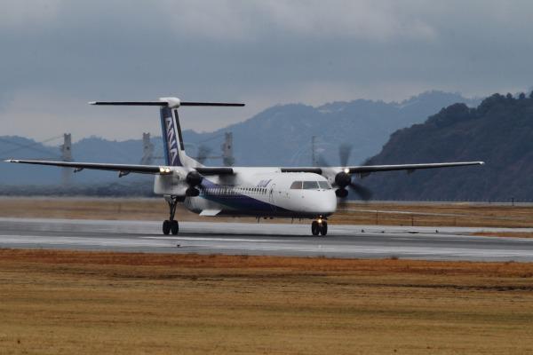EH DHC-8-402Q JA844A RJOM 140208 01