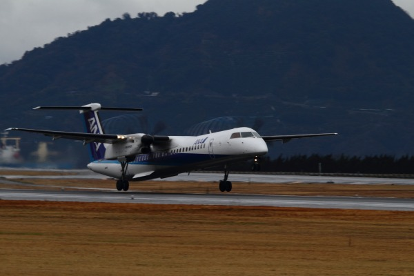EH DHC-8-402Q JA844A RJOM 140208 02