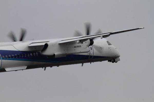 EH DHC-8-402Q JA844A RJOM 140208 03