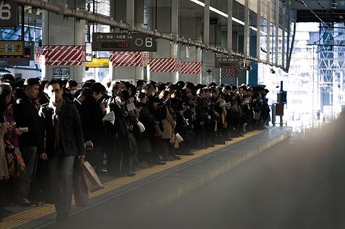 満員電車 通勤 ホーム