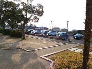 夕方の駐車場