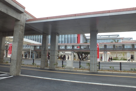 駐車場から空港ビル