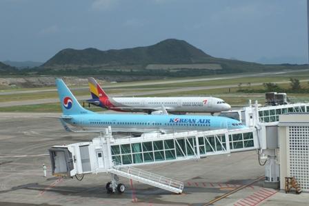 韓国機2機