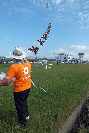 凧愛好会による連凧