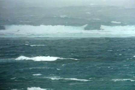 10月24日朝27号の波