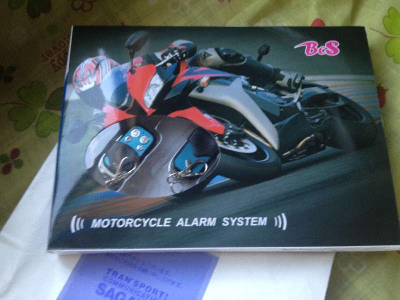 120630 12Vバイク用エンジンスターター機能付きセキュリティアラーム買った01