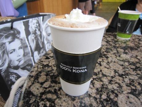 カフェモカにはホイップクリーム