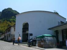 11:49 片岡鶴太郎工芸館もあります。