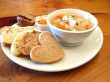 むぎわらい 雑穀パンとスープ