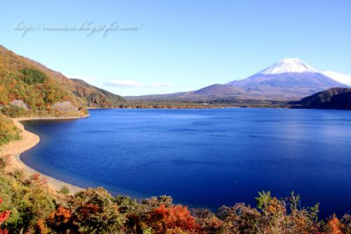 本栖湖と富士山01