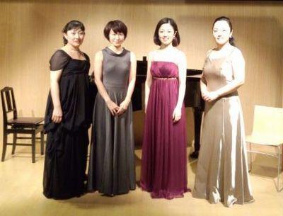 第三回うたの木コンサート女性のみ集合