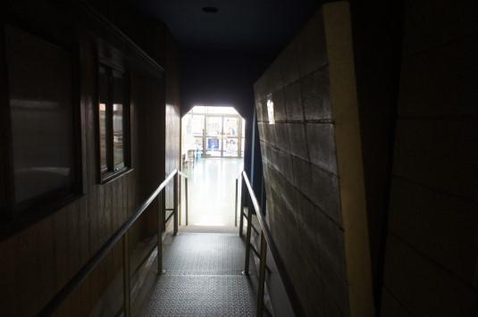 防災安全センター 壁