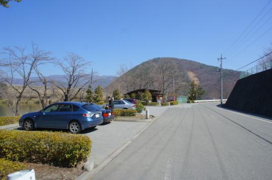 梅の花 矢木羽湖公園 駐車場