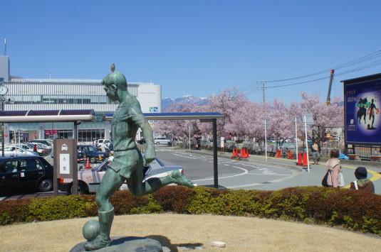 桜 韮崎駅前 八ヶ岳