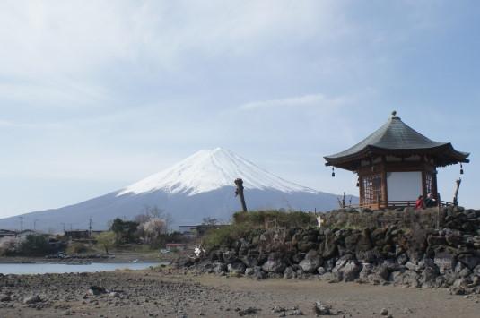 陸続き六角堂 富士山