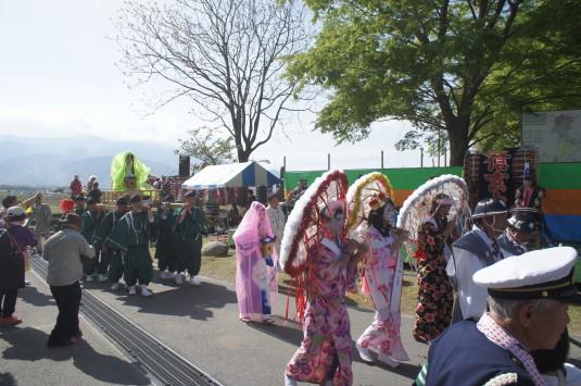 おみゆきさん 三社神社 行列