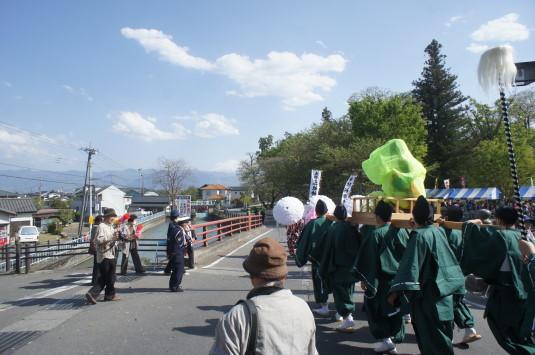 おみゆきさん 三社神社神輿 富士山