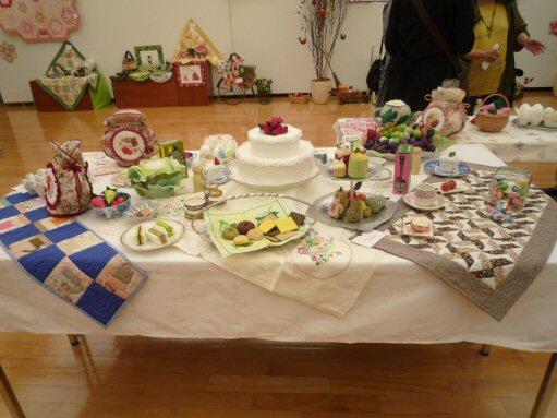 ケーキのテーブル全体P1030941
