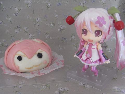 桜ミクと桜ミクまん